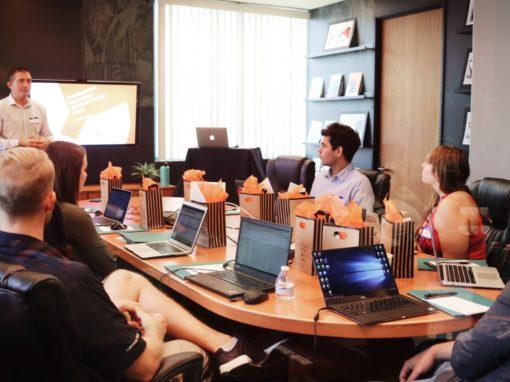 Dos formas de usar storytelling oral en tu organización: caso institución financiera